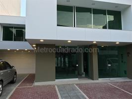 Local Comercial en Venta, Santa Monica, Cali